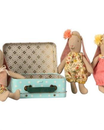 Maileg Micro kanin i resväska med två klänningar